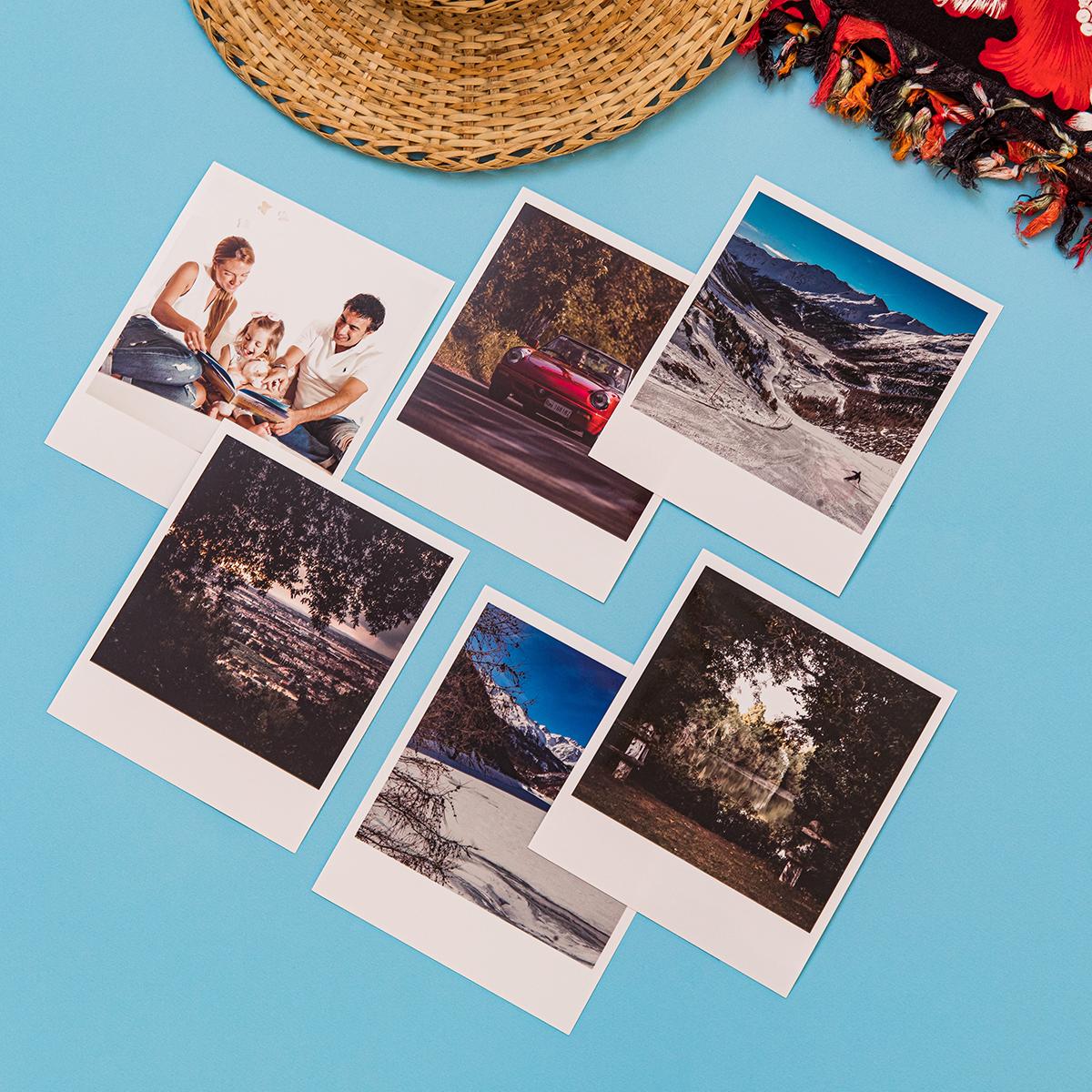 Polaroid su Tavolo